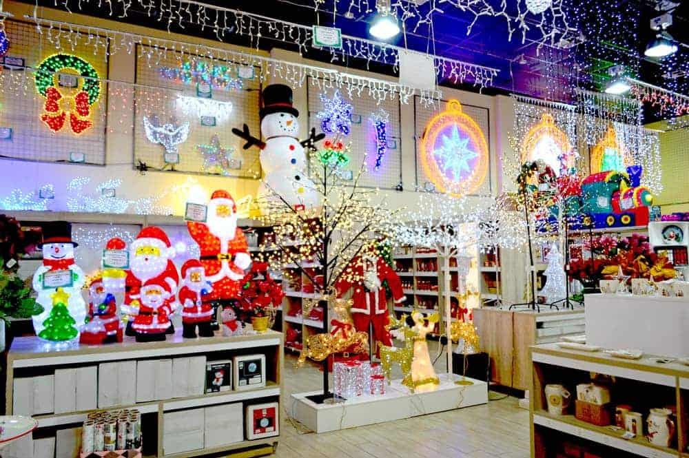 405cbb9caf199 Christmas decor showroom